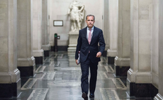 Carney warns daily liquidity funds 'built on a lie'