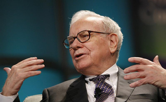 Buffett's Berkshire suffers in Q2 but cash pile balloons
