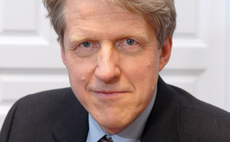 Shiller sees 50% chance of US double dip